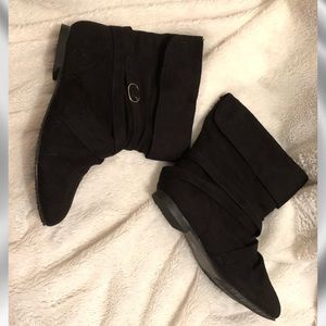 Collection by Carrini Black Booties